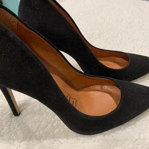 NWOT Cathy Jean Pointed Toe Suede Heels